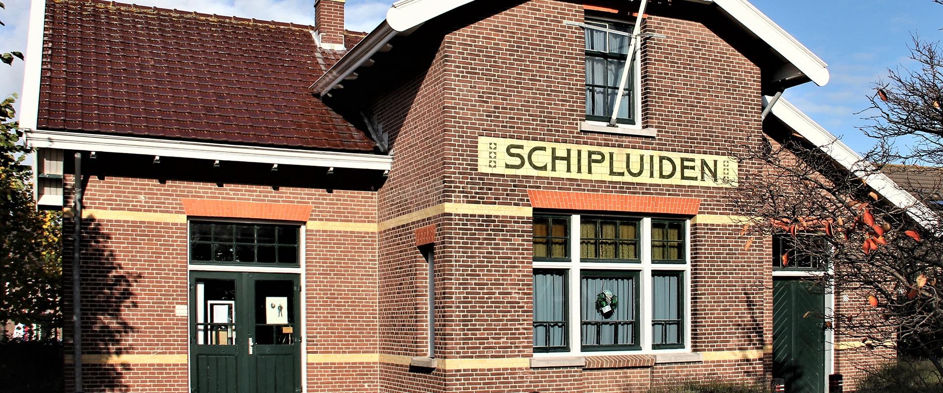 historisch pand van het tramstation van de voormalige Westlandse Stoomtram Maatschappij (WSM) in Schipluiden